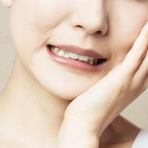 歯の食いしばりは無意識に行っていることが多く自分では気づかないことも・・